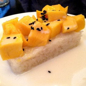 Mango and sticky coconut rice