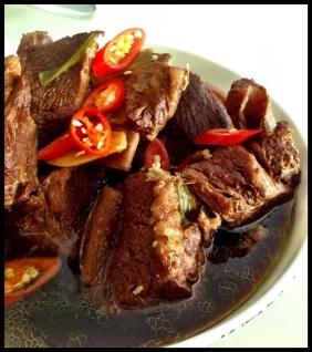 Slow braised beef short ribs - The Food of Vietnam