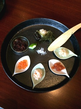 Scallop, salmon, lobster, salmon roe, crunchy black rice, sea grape, nashi pear and konbu - mix up various combinations and enjoy!