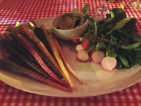 Radishes with laver cream, carrots