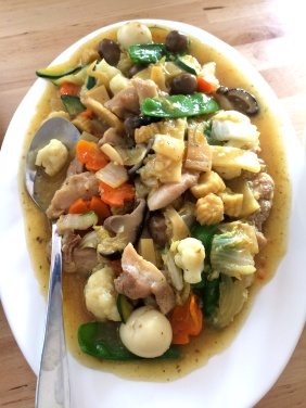 Chop Suey with chicken and quail eggs