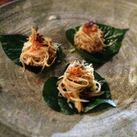 Green papaya, betel leaves