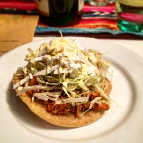 Tostadas de tinga - crispy tortilla with chicken