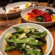 Flat green beans with roasted chicken broth and pecorino, red capsicum