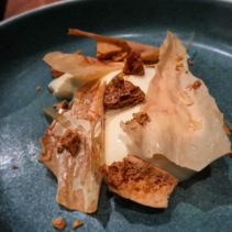 Pannacotta with milk, honeycomb and lemon