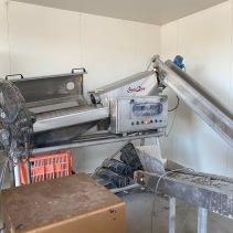 Oyster grading machine